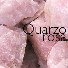 La linea Corallo Al3 contiene anche polvere di quarzo rosa che con le sue proprietà di riflettore di luce, associate all'effetto filler, riduce la visibilità delle rughe. Il risultato? Una pelle decisamente più liscia, levigata e l'aspetto delle rughe è visibilmente attenuato.  #coralloai3 #corallo #sohasardinia #beautyproducts #beauty #beautyroutine #dailyroutine #skincareroutine #beautytips #beautylover #naturalproducts #parabenfree #siliconfree #fedeltapp #giveback