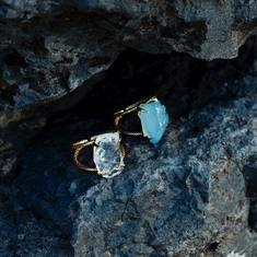 Porta il mare della Sardegna sempre con te. Scopri la nuova collezione di bijoux dal design esclusivo firmata Soha.  https://www.sohasardinia.com/it/  #sohabijoux #soha #sohasardinia #beautyproducts #beauty #beautyroutine #dailyroutine #skincareroutine #beautytips #beautylover #natularproducts #parabenfree #siliconfree #fedeltapp #giveback